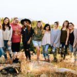 Wiele kobiet o różnych kształtach, rozmiarach, kolorze skóry i typie urody