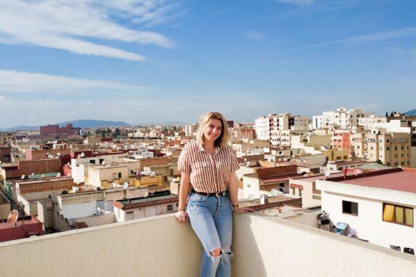 Blondynka wyjeżdża z Maroka
