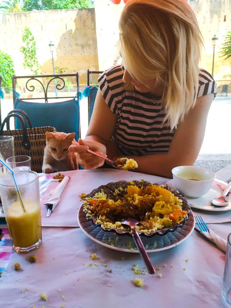 Lokalna restauracja w Chefchaouen w Maroku
